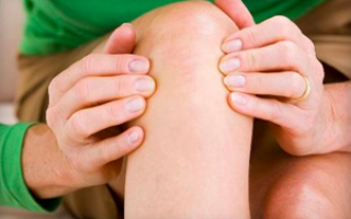 После приседа болит колено что делать