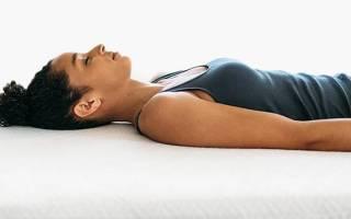 На какой подушке полезно спать для позвоночника